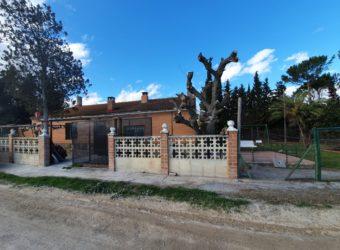 LUCENI, CASA DE CAMPO EN VENTA